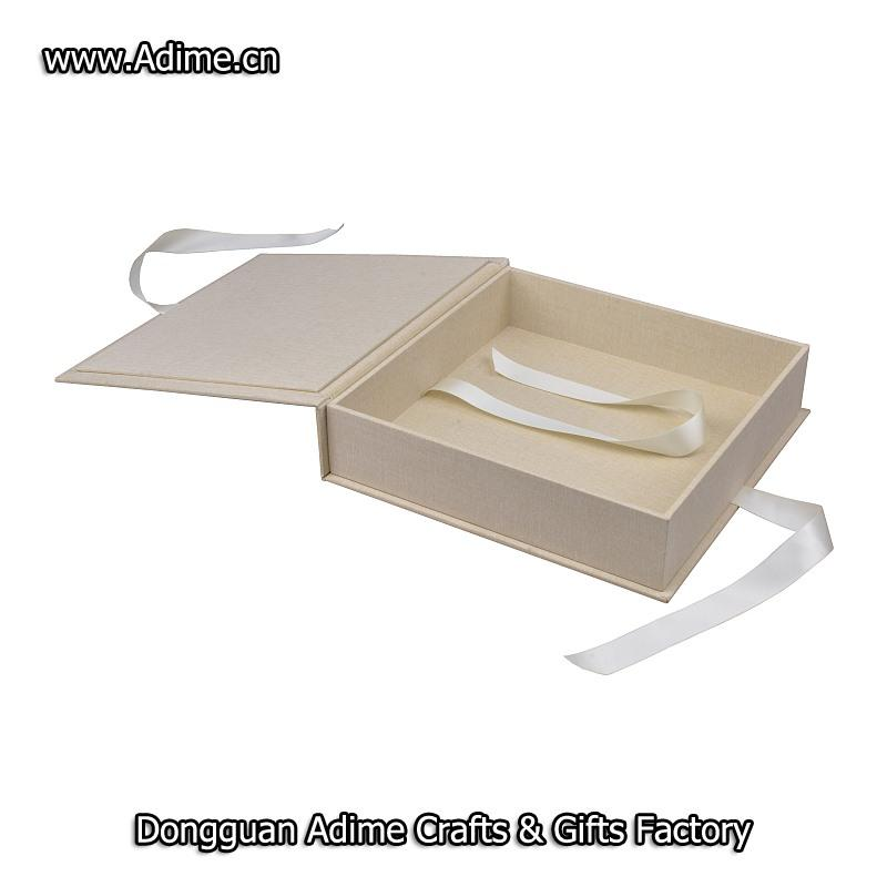 Ribbon Album Box